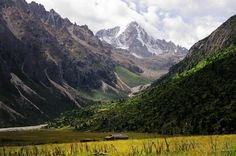 Mountain Dophu Ngatra  5470 m in height,Tibet