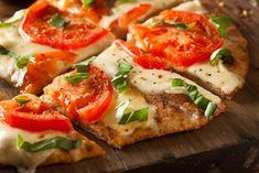 Quinoa flour pizza crust recipe easy and healthy pizza crust Margherita Flatbread Pizza Recipe, Flatbread Pizza Recipes, Healthy Pizza Recipes, Margarita Flatbread Recipe, Quinoa Flour Pizza Crust Recipe, Quinoa Flour Recipes, Pizza Margherita, Naan Flatbread, Grilled Flatbread