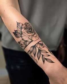 tattoo 48 Amazing Band Tattoos Ideas - The Ultimate Guide! Arm Band Tattoo For Women, Band Tattoos For Men, Forearm Band Tattoos, Tattoos For Women Flowers, Leg Tattoos, Best Tattoos For Women, Tattoos For Guys, Tribal Tattoos, Tattoo Women