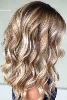 Hair waves hairstyles look wonderful and can work for any hair type. Check out o… Hair waves hairstyles look wonderful and can work for any hair type. Check out our best ideas how to make your hair wavy and natural… Continue Reading → Bronde Balayage, Bayalage, Honey Balayage, Brown Blonde Hair, Blonde Curls, Blonde Honey, Blonde Waves, Blonde Hair For Pale Skin, Blond Hair With Lowlights