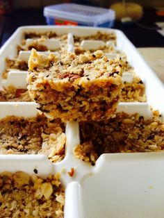 One word for these muesli bars – YUM! I prepare mine in ice cube trays so they are portioned out perfectly for a nice treat with a cup of coffee. Healthy Bars, Healthy Treats, Healthy Desserts, Healthy Eating, Healthy Recipes, Healthy Food, Clean Eating, Sugar Free Snacks, Sugar Free Sweets