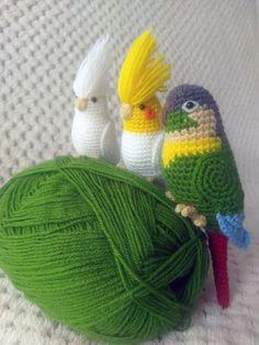 Amigurumi Do Zero Crochet Bird Patterns, Crochet Birds, Cute Crochet, Crochet Animals, Crochet Crafts, Yarn Crafts, Crochet Flowers, Crochet Projects, Knitting Patterns