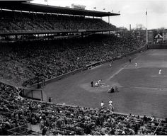 These incredible Photos Show Us What Baseball Stadiums Looked Like When Baseball Played It's First All-Star Game Baseball Park, Chicago Cubs Baseball, Baseball Stuff, Football, New York Stadium, Chicago Cubs History, Mlb Stadiums, Cubs Win, American Games