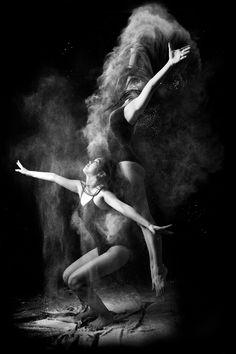 """Dance"" Photographer: 酸 酸"
