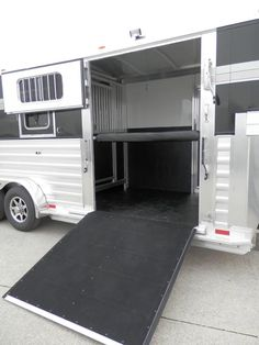 "2015 4-Star 2+1 with 60"" 'EZ Lift' Side Ramp"