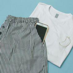 Bermuda listrada + T-shirt branca T Shirt Branca, Bermuda, Casual Shorts, Women, Fashion, Babydoll Sheep, Men's, Moda, Fashion Styles