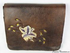 Leather Pouch, Leather Bags, Leather Working, Bag Making, Messenger Bag, Lily, Handbags, Wallet, Purses