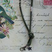 Kulkukorttikoru oliivi 30€ Leather Jewelry, Bobby Pins, Hair Accessories, Jewellery, Beauty, Jewels, Jewelry Shop, Jewelry, Hair Pins