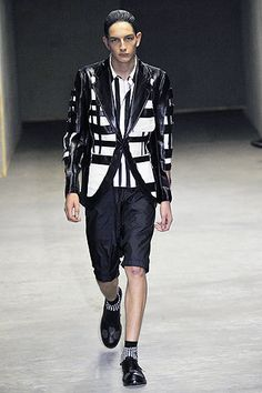 Comme des Garçons Spring 2011 Menswear Collection Slideshow on Style.com