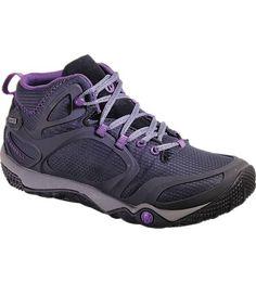 La simplicité est une règle d'or et prend tout son sens avec cette chaussure basse imperméable minimaliste, parfaite pour la randonnée. Fluide, légère et sachant s'adapter, la Proterra Mid GORE-TEX® est dotée de la technologie extrêmement résistante Stratafuse™. Sa membrane imperméable, la ConnectFit en GORE-TEX®, permet à la tige d'envelopper de manière innovante et avec un faible volume les contours de votre pied pour le garder bien au sec.