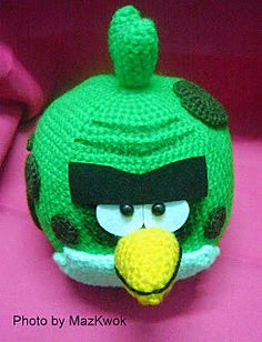 Be A Crafter xD: Free Amigurumi pattern: Angry bird space version - Big green bird ( aka Terence) Angry Birds, Green Angry Bird, Crochet Amigurumi Free Patterns, Crochet Toys, Crochet Ideas, Free Crochet, Crochet Animals, Homemade Face Paints, Nerd Crafts
