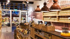The centre of Amsterdam is home to three Old Amsterdam Cheese Stores shops where you can buy your cheese souvenir! You can also book a lovely cheese tasting! Old Amsterdam Cheese, I Amsterdam, Dutch Cheese, Amsterdam Itinerary, Cheese Store, Sheep Cheese, Aged Cheese, Cheese Maker, Cheese Tasting