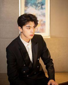 Korean Boys Ulzzang, Cute Korean Boys, Asian Boys, Asian Men, Ulzzang Kids, Handsome Actors, Cute Actors, Handsome Boys, Cute White Boys