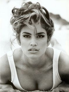 she's still one of the most beautiful people in the world. gotta love cindy <3