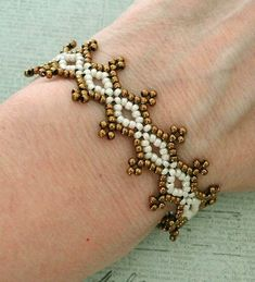 Linda's Crafty Inspirations: Seed Bead Lacy Bracelet - Ivory & Bronze