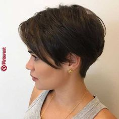 Pixie Hairstyles for the Best View. Pixie hairstyles have been mainstream among ladies for a long time. This a la mode haircut with a short name Short Thin Hair, Short Hairstyles For Thick Hair, Short Blonde, Short Hair Cuts, Pixie Cuts, Short Hair Long Bangs, Growing Out Short Hair Styles, Pixie Cut With Bangs, Blonde Pixie