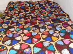 △ 💇🏼 △ Crochê Avó Afegão Enfeitiçado de Triângulo -  /  △ 💇🏼 △ Hexed Granny Triangle Crocheted Afghan -
