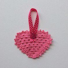 Hartjie versiersel - pienk Heart Decorations, Crochet Earrings, Pink, Products, Rose