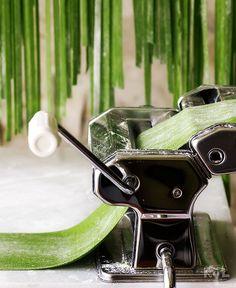 Kanela and Lemon: Savoury recipes How to make Fresh Pasta Spinach Pasta, Pesto Pasta, Pizza Recipes, Dog Food Recipes, Savoury Recipes, Matcha, Gnocchi Pasta, Pasta Casera, Yummy Veggie