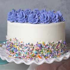 This Moist Vanilla Layer Cake is just what it sounds like a moist, soft vanilla cake that is the newest addition to my library of vanilla recipes. Its delicious and easy to make too! Layer Cake Recipes, Easy Cake Recipes, Dessert Recipes, Layer Cakes, Delicious Desserts, Vanilla Recipes, Chocolate Recipes, Chocolate Videos, Chocolate Cake