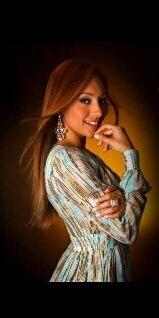 Nicole Chacón Wearing Lisa Thon