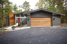 35 Popular Mid Century Modern House Exterior Design Ideas - Mid Century Homes is one of the best examples of architecture which works towards bringing nature close to the home owner. Their spacious design and l.
