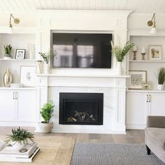 Here is an article related with fireplace. Antique Fireplace Mantels, Fireplace Doors, Home Fireplace, Brick Fireplace, Living Room With Fireplace, Fireplace Design, Living Room Decor, Fireplace Ideas, Fireplaces