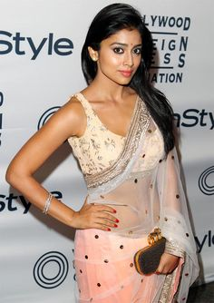 PIX: Is Sari The HOTTEST #Bollywood Trend Right Now? Shown above Shriya Saran