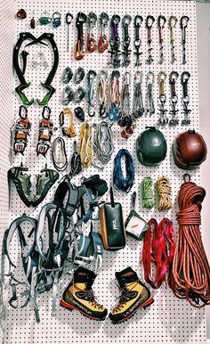 Tree Climbing Equipment, Mountain Equipment, House Decorations, Rock Climbing, Storage Ideas, Outdoor Gear, Madness, Gears, Survival