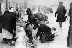 Residents of Leningrad are stocking up on water, 1942.