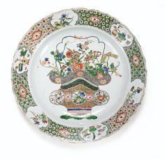 Grand plat en porcelaine de la Famille Verte Dynastie Qing, époque Kangxi