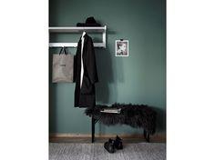 4.come-arredare-ingresso-idee-parete-colorata-grigio-stile-minimal-tappeto-parquet