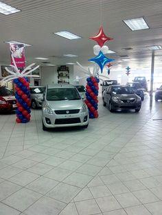 Car Showroom decor Balloon Cars, Balloons, Showroom, Balloon Ceiling, Car Room, Balloon Designs, Car Dealerships, Car Party, Balloon Decorations