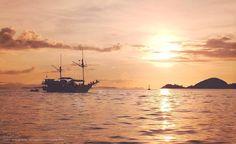 The sky broke like an egg into full sunset and the water caught fire - Pamela Hansford Johnson  Loc : Labuan Bajo, Manggarai Barat, Indonesia . . . . . . . . . . . . . . . . . . #komodo #komodonationalpark #labuanbajo #flores #Indonesia #sunset #wonderfulindonesia #pesonaindonesia #visitindonesia #iloveindonesia #travelphoto #travelphotography #travel #traveling #backpacker #tracking #sailingkomodo #komododragon #ayomainkeluar #nikonindonesia #landscape #natgeotravel #natgeoindonesia…