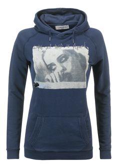 Felpa donna AWorld con cappuccio incrociato e stampa fotografica.   Shop online: http://www.athletesworld.it/felpa-aworld-garment-dyed-aworld-9199493