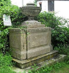 File:Monument to Anna Maria Crouch, St Nicholas' Church, Brighton; little Louisa Fremantle's grave is next to this monument, though Betsey doesn't say which side  (NHLE Code 1380392).jpg