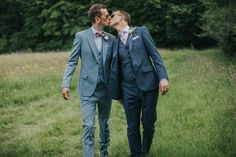 Outdoor And Country, Festival Wedding, Filming Locations, Gay Couple, Alternative Wedding, Rustic Wedding, Wedding Ceremony, Toms, Romantic