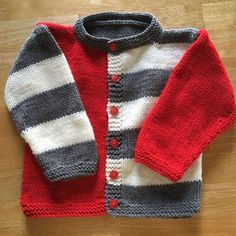 Super ideas for knitting baby patterns sweater tricot Baby Boy Knitting Patterns, Baby Sweater Patterns, Baby Cardigan Knitting Pattern, Knitting For Kids, Baby Patterns, Knitting Ideas, Knitting Designs, Free Knitting, Baby Boy Cardigan