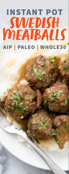 The whole family will love these comforting Instant Pot Swedish Meatballs with Mushroom Gravy. And thanks to the Instant Pot, dinner will be ready in 40 minutes! Whole 30 Instant Pot, Cena Paleo, Recetas Whole30, Meatballs And Gravy, Whole 30 Meatballs, Tutorial Diy, Mushroom Gravy, Mushroom Sauce, Le Diner