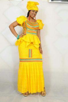 Mali fashion bazin brodé #Malifashion #bazin #malianwomenarebeautiful #dimancheabamako African Attire, African Wear, African Dress, African Print Fashion, Africa Fashion, Fashion Prints, Style Africain, Girl Fashion, Fashion Outfits