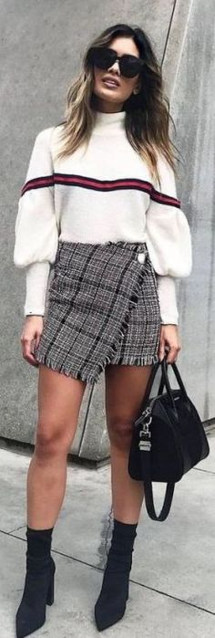 I love plaid skirt outfits like this! Perfect outfit for the fall or winter!