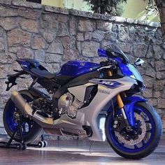 New yamaha R1 2015 What do you think? FOR S/O TAG PICS #chairellbikes4life #r1#yzf#newr1#yamaha #motorcycle #motorcycles #bike #TagsForLikes #ride #rideout #bike #biker #bikergang #helmet #cycle...