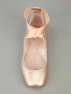 ballet pointe shoes inspired flats by Chloé. ABSOLUTELY YES