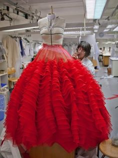 Behind the scenes of Christian Dior.