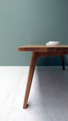 TIDE Waka Dining Table Detail