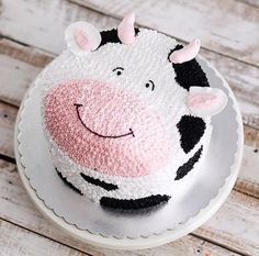 That's one is a cute cow cake I have ever seen