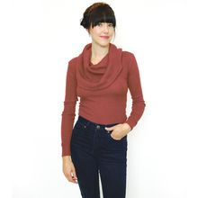 Fitted longsleeve with oversize cowl neck. Because this is rib, it will stretch to fit you! Sustainable Looks, Sustainable Fashion, Winter Fashion 2014, Milk Duds, Two Ladies, Friend Outfits, How To Make Clothes, Ethical Clothing, How To Look Better