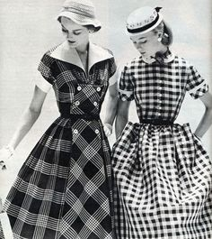 Gingham, that simple woven check of summer dreams. I have but one gingham dress in my closet, an. Moda Retro, Moda Vintage, Retro Vintage, Retro Outfits, Vintage Outfits, 1950s Fashion, Vintage Fashion, Club Fashion, Glamour