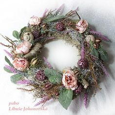 """Věnec """"Vřes a bříza""""  (269) Christmas Wreaths, Floral Wreath, Holiday Decor, Home Decor, Christmas Garlands, Homemade Home Decor, Holiday Burlap Wreath, Decoration Home, Floral Garland"""