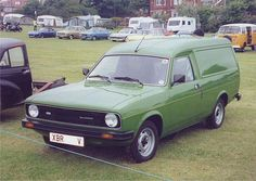 i used to drive a beige one ! Morris Marina, Old Lorries, Vintage Vans, Commercial Vehicle, Retro Cars, Old Trucks, Old Cars, Classic Cars, Automobile